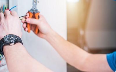 Hvad må du lave selv, og hvornår skal du bruge din lokale elektriker i Køge